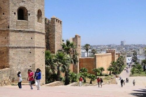 El Parlamento marroquí reactiva una propuesta que penaliza la normalización…