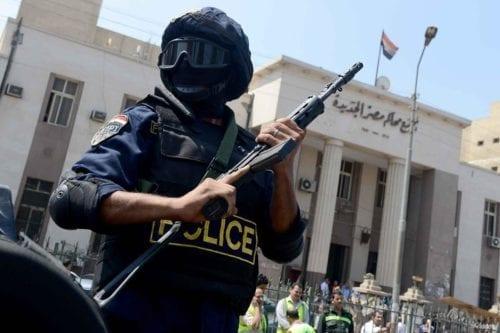 Egipto: detenido el autor de un libro crítico con la…