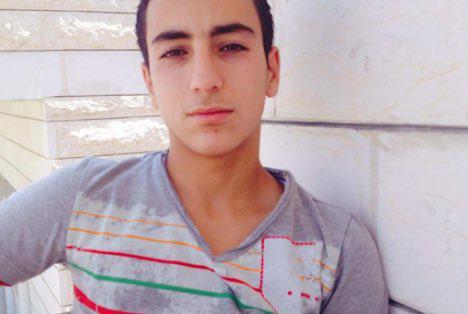 Soldados israelíes disparan a un adolescente palestino en una manifestación…