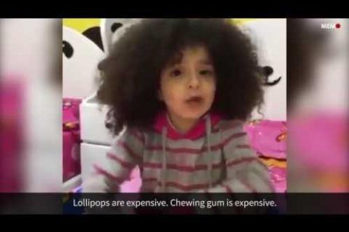 Una niña egipcia exige su paga a Al-Sisi