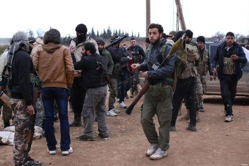 Halladas armas israelíes en manos de Daesh
