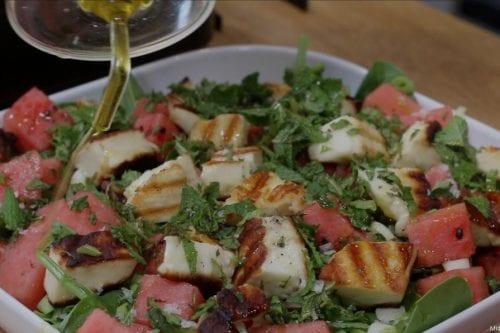 Amardín (Pasta de albaricoque), sandía, ensalada halloumi y pescado.