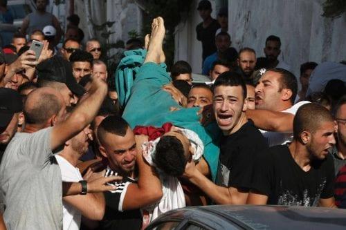 """Tres palestinos muertos y cientos de heridos tras el """"Día…"""