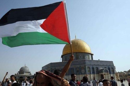 Dos palestinos condenados por vender tierras a judíos israelíes