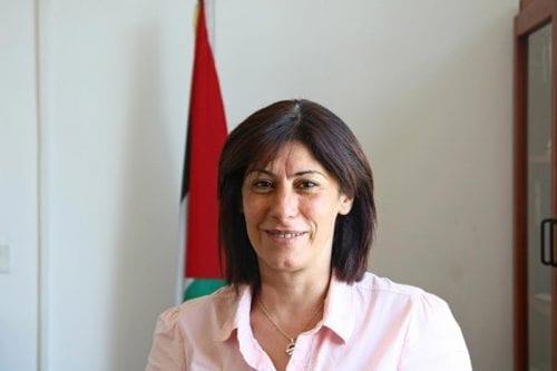 Israel encarcela a la diputada socialista Khalida Jarrar sin cargos…
