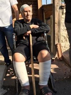 Israel desaloja a una familia de palestinos y entrega su…