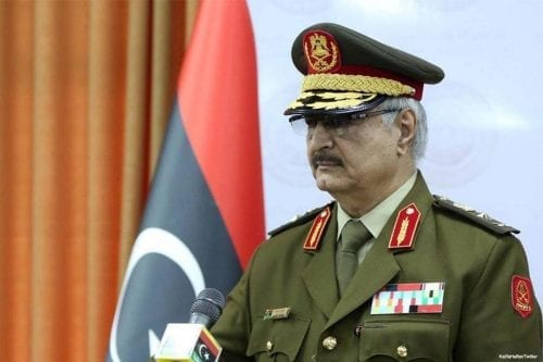 La izquierda y la 'paradoja de Haftar'