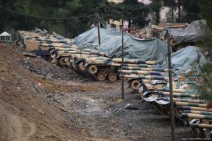 Turquía envía militares a la frontera siria