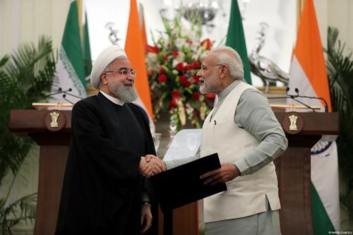 La India e Irán firman un pacto durante la visita…