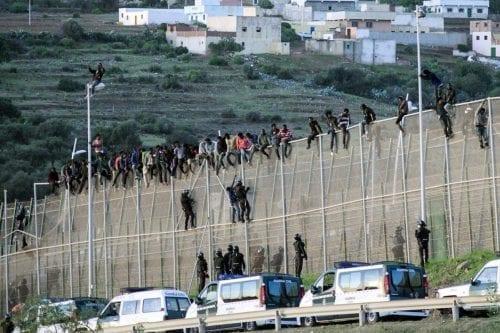La crisis migratoria europea o el karma de los colonizadores
