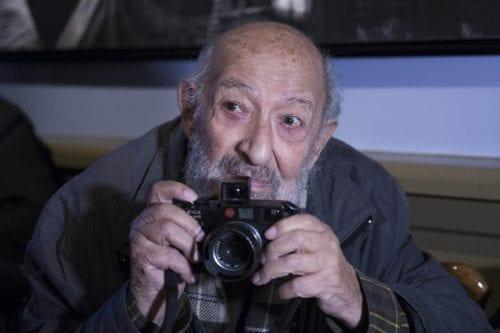 Fallece a los 90 años el renombrado fotógrafo turco Ara…