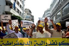 Cientos de personas protestan en Marruecos en contra de la…