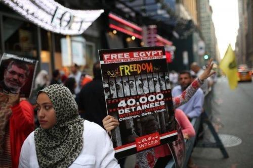 Amnistía Internacional: Egipto desaparece y tortura a menores