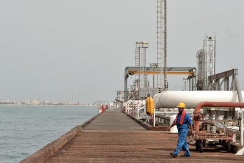 """Rohani: """"Irán venderá petróleo y desafiará las sanciones de Estados…"""