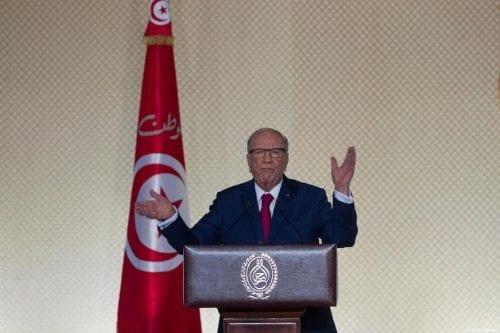 Túnez: Essebsi se enfrenta a un proceso por abuso de…