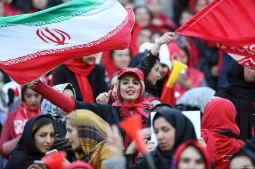 Irán permite a cientos de mujeres asistir a la final…