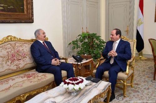 Egipto pide el levantamiento parcial del embargo armamentístico contra Libia