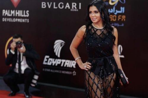 Una actriz egipcia es llevada a juicio por vestir un…