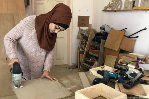 ¿Es ésta la primera mujer carpintera de Gaza?