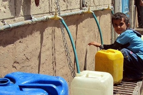 Turquía instala depósitos de agua para la población refugiada en…