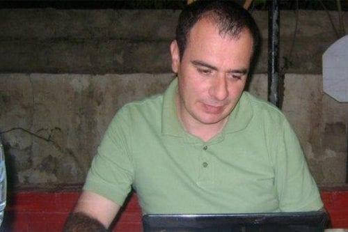 Grupos pro-DDHH piden a EAU la liberación del periodista Taysir…