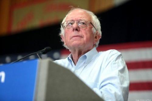 """Bernie Sanders denosta la """"absurda"""" presentación de un proyecto de…"""