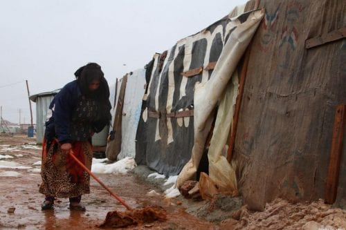 Líbano: El frío y las tormentas invernales ponen en una…