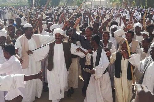 """Al-Bashir: """"Estamos dispuestos a entregar el poder a los jóvenes"""""""