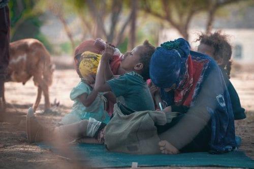 Oxfam advierte que las familias en Yemen toman medidas desesperadas…