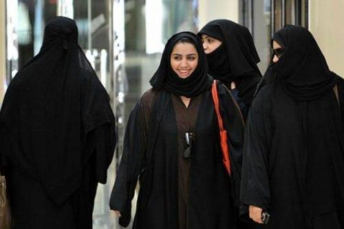 """""""Era como una prisionera"""": unas hermanas saudíes varadas en Hong…"""