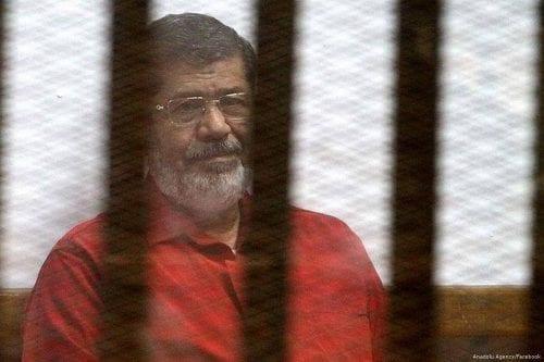 Egipto: el juicio de Mursi se reanuda en el caso…