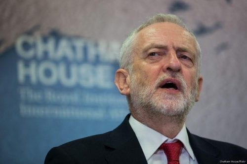 Corbyn pide al Reino Unido que condene los ataques de…