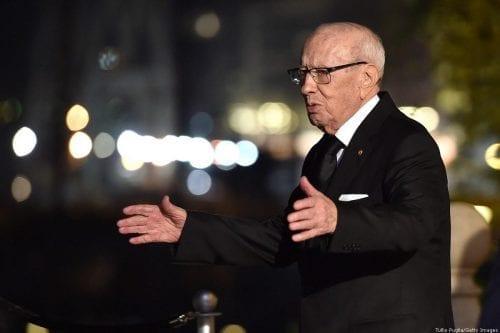 Essebsi ha sido acusado por ser complice de torturas y…