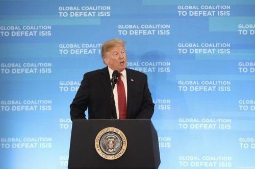 Informe: Estados Unidos planea mantener mil soldados en Siria