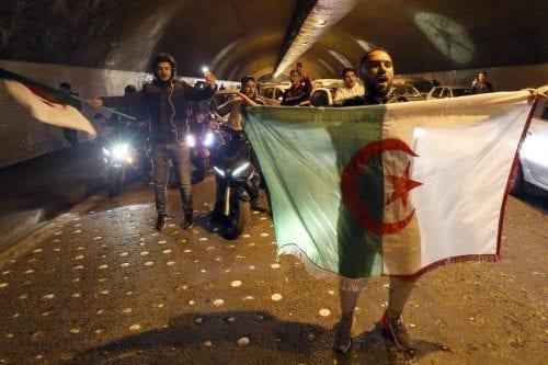 Argelia propone un diálogo con los manifestantes en el nuevo…