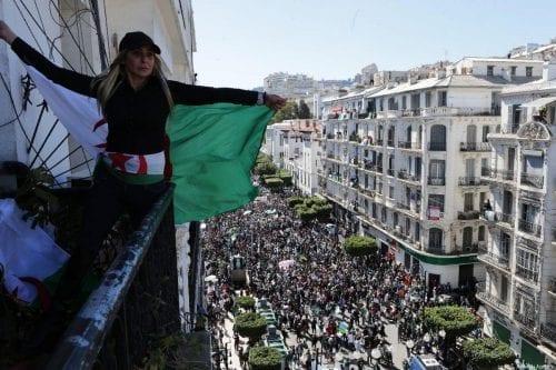 Argelia presencia protestas por quinto viernes consecutivo
