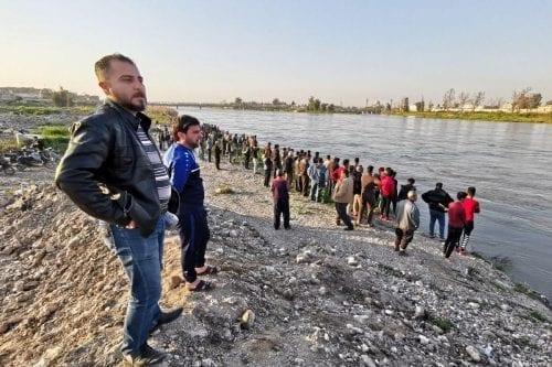 El primer ministro iraquí busca el despido del gobernador local…