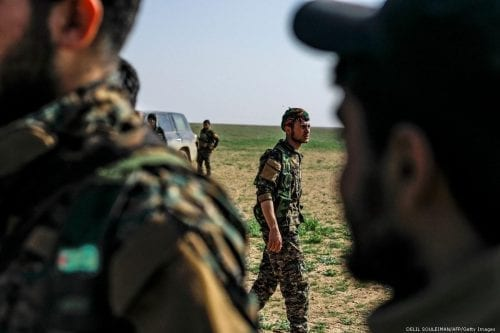 Cientos de sospechosos de Daesh han sido liberados por las…