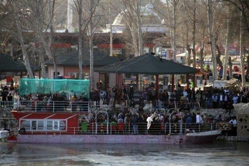 Un ferry se hunde en el río Tigris de Iraq,…