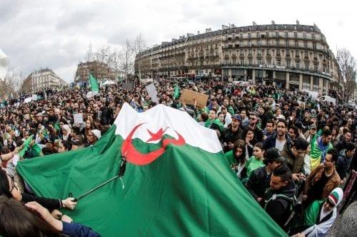La oposición argelina propone un comité presidencial para liderar la…
