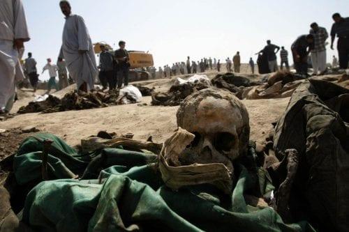 Se descubre una fosa común de víctimas de Daesh en…