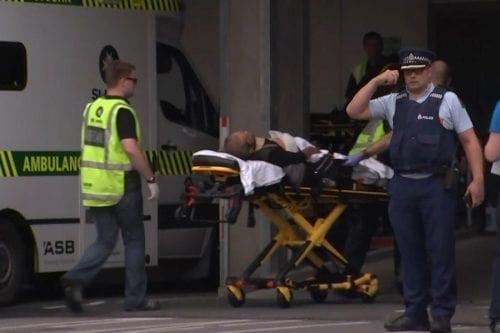 Al menos 49 muertos por tiroteos en dos mezquitas de…