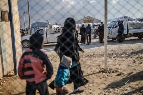 Francia repatría a 'varios' niños de campamentos en el norte…