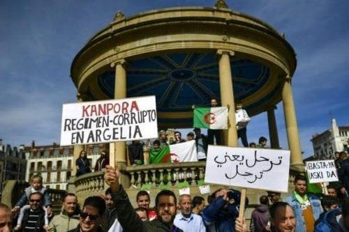 Los sindicatos argelinos rechazan la formación de un nuevo gobierno…