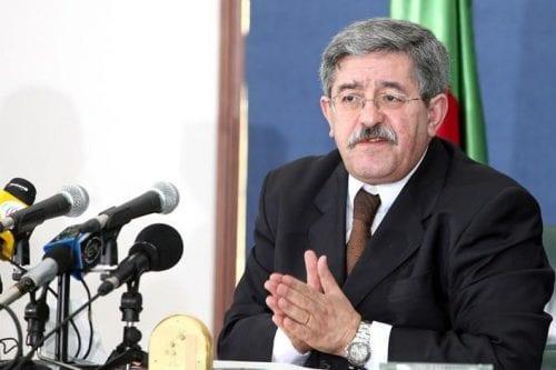 Argelia: dimiten dos mil miembros del partido Ouyahia y se…
