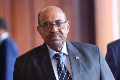 El fiscal de Sudán investiga a Bashir bajo sospecha de…