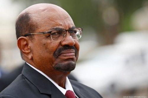 Última hora: el ejército de Sudán detiene al presidente Bashir…