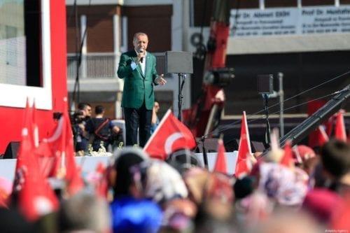 El AKP de Erdogan presenta una segunda convocatoria para la…