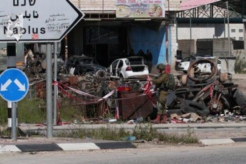 Un colono israelí mata a un palestino y hiere a…