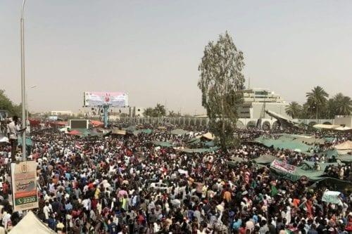 Continúan las protestas en Sudán, exigen un gobierno civil